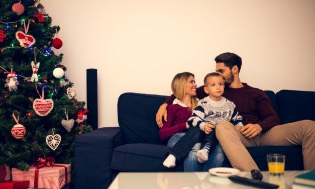 Uundgåelige danske og engelske julefilm du kan hygge dig med i juletiden